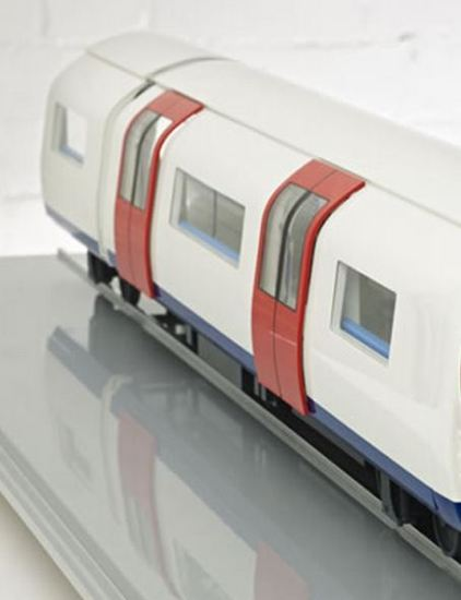 Ogle models build scale model of metro carriage concept for siemens rail systems - Carrage metro ...