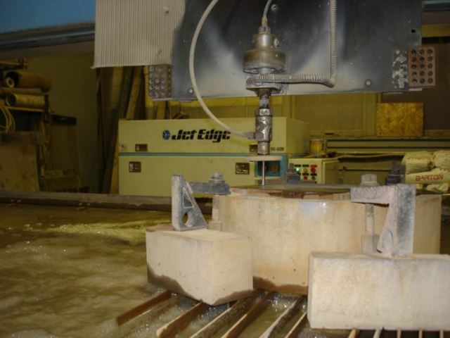 Advantages of Using Jet Edge Abrasive Waterjet System