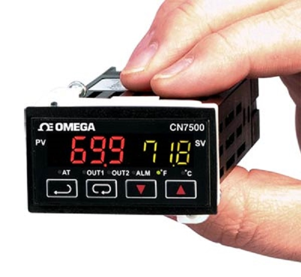 OMEGA CN7500 series temperature and process PIC controller