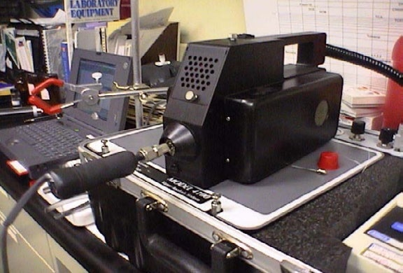 Attachment of Open-Tubular sample desorber attached in inlet of GC/SAW Vapor Analyzer