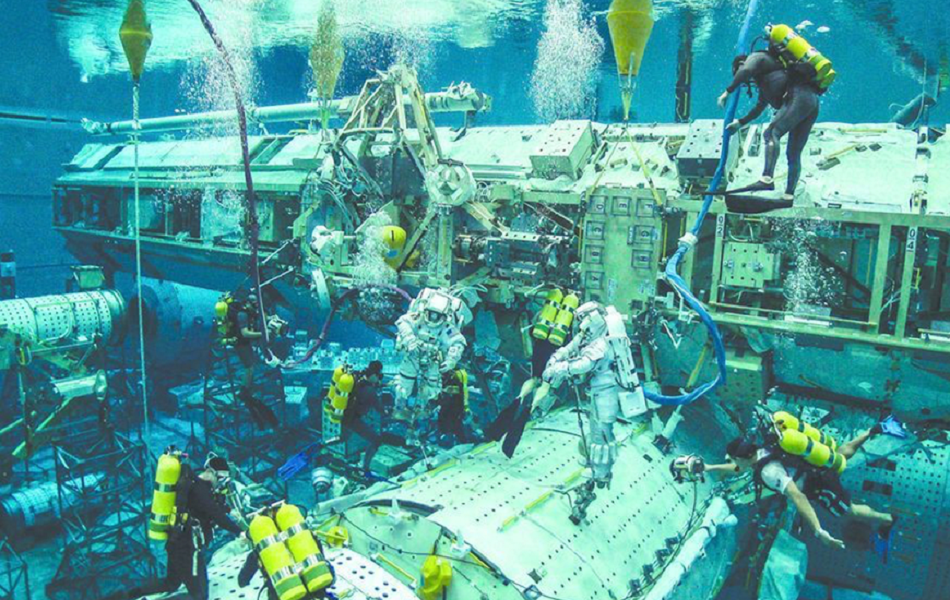 nasa underwater training - 1000×563