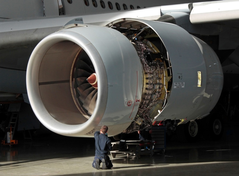 Jet engine vibration