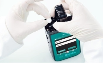 Metrohm Instant Raman Analyzers (MIRA): Calibration, Verification, and Performance Validation