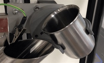 Powder Characterization for Additive Manufacturing - Electrostatic Charges and Packing Dynamic