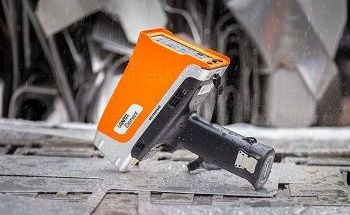 Vanta™ Element Handheld XRF Analyzer Affordable XRF Testing