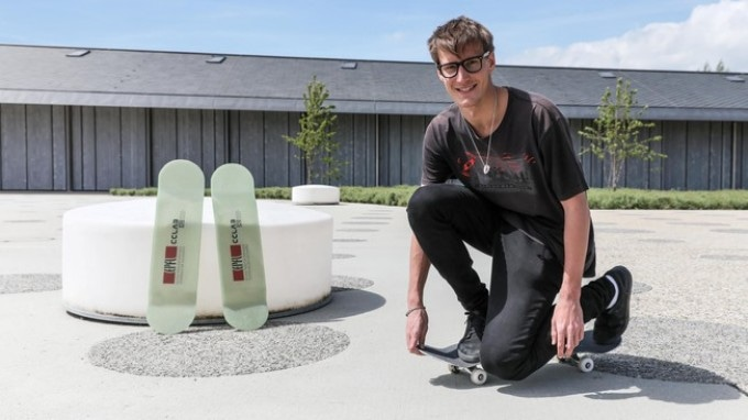 EPFL Student Makes a Virtually Unbreakable Fiberglass Skateboard