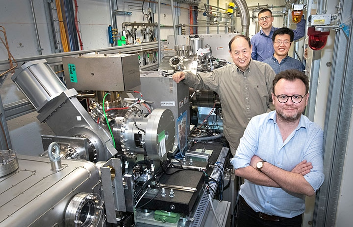 Scientists Identify Causes of Degradation in Cathode Material for Lithium-Ion Batteries