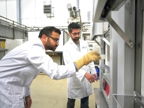 Jülich Researchers Create High-Tech Material Encapsulated in a Salt Crust