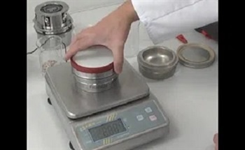 Size-Reduction of Aluminium Oxide and Stone Samples
